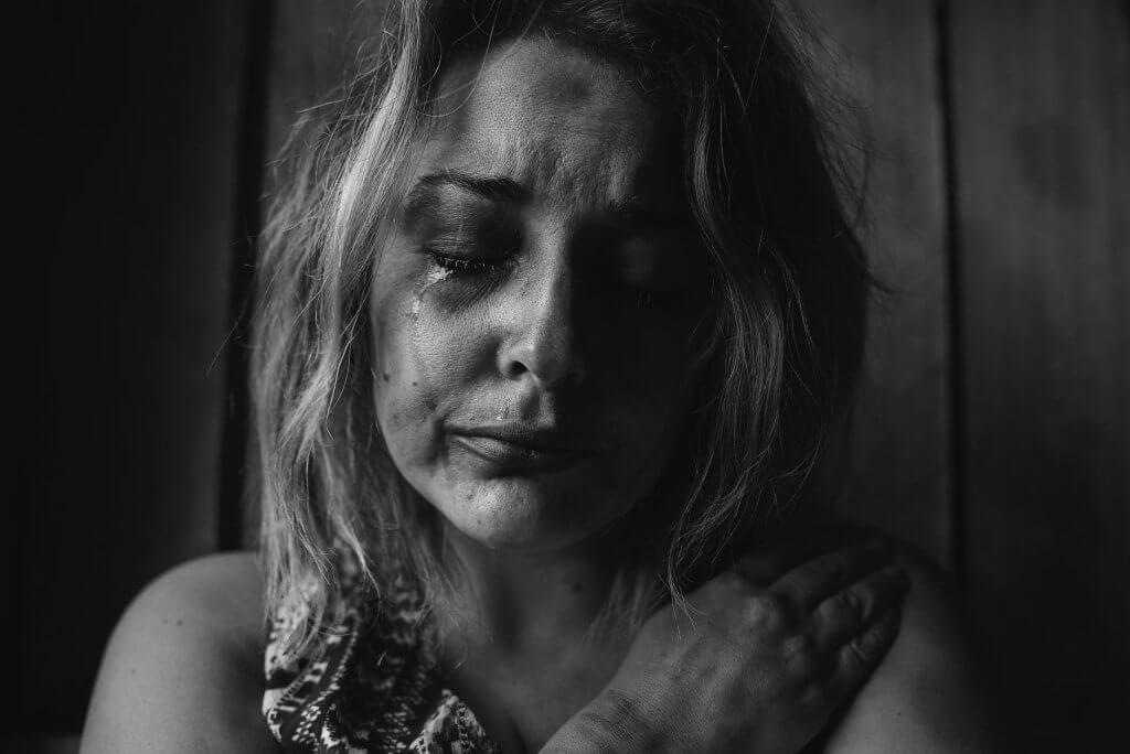 Sinais de relacionamento abusivo: cartilha gratuita ajuda identificar | Adolescência